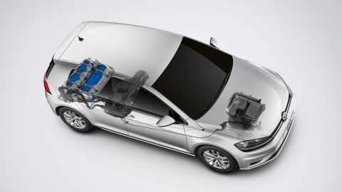 """Les voitures électriques sont-elles vraiment """"propres"""" ?"""